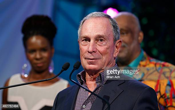 Honoree former New York City Mayor Michael Bloomberg attends the 15th annual Art for Life Gala hosted by Russell and Danny Simmons at Fairview Farms...