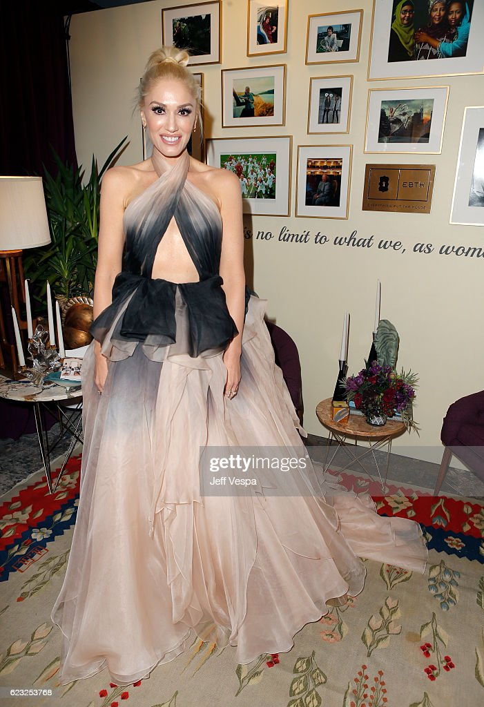 Honoree Gwen Stefani poses in the green room at Glamour Women Of The Year 2016 at NeueHouse Hollywood on November 14, 2016 in Los Angeles, California.
