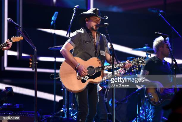 Honoree Jason Aldean performs onstage at the 2017 CMT Artists Of The Year on October 18 2017 in Nashville Tennessee