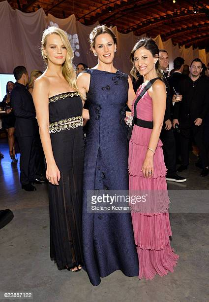 Honoree Jennifer Garner and copresidents of Baby2Baby Kelly Sawyer Patricof and Norah Weinstein attend the Fifth Annual Baby2Baby Gala Presented By...