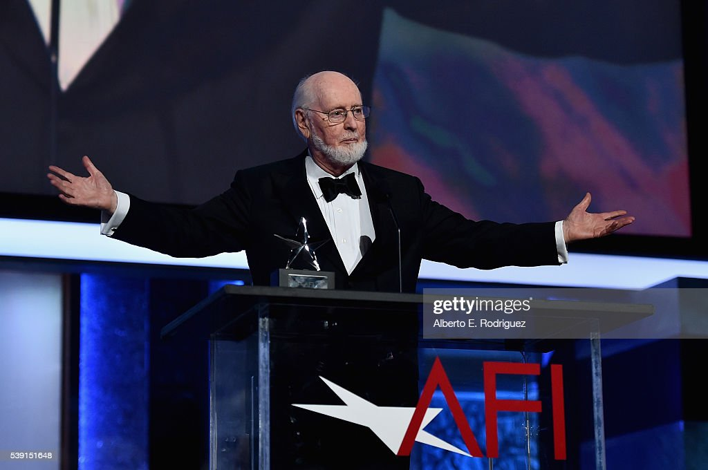 honoree-john-williams-accepts-the-life-a