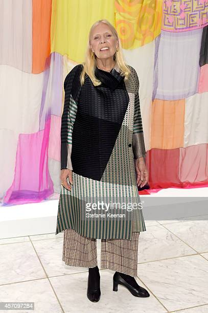 Honoree Joni Mitchell attends the Hammer Museum's 12th annual Gala in the Garden with generous support from Bottega Veneta at the Hammer Museum on...
