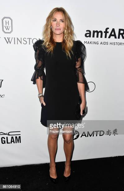 Honoree Julia Roberts attends the amfAR Gala at Ron Burkle's Green Acres Estate on October 13 2017 in Beverly Hills California