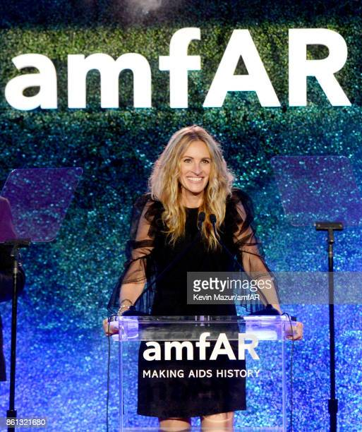 Honoree Julia Roberts speaks onstage at the amfAR Gala 2017 at Ron Burkle's Green Acres Estate on October 13 2017 in Beverly Hills California