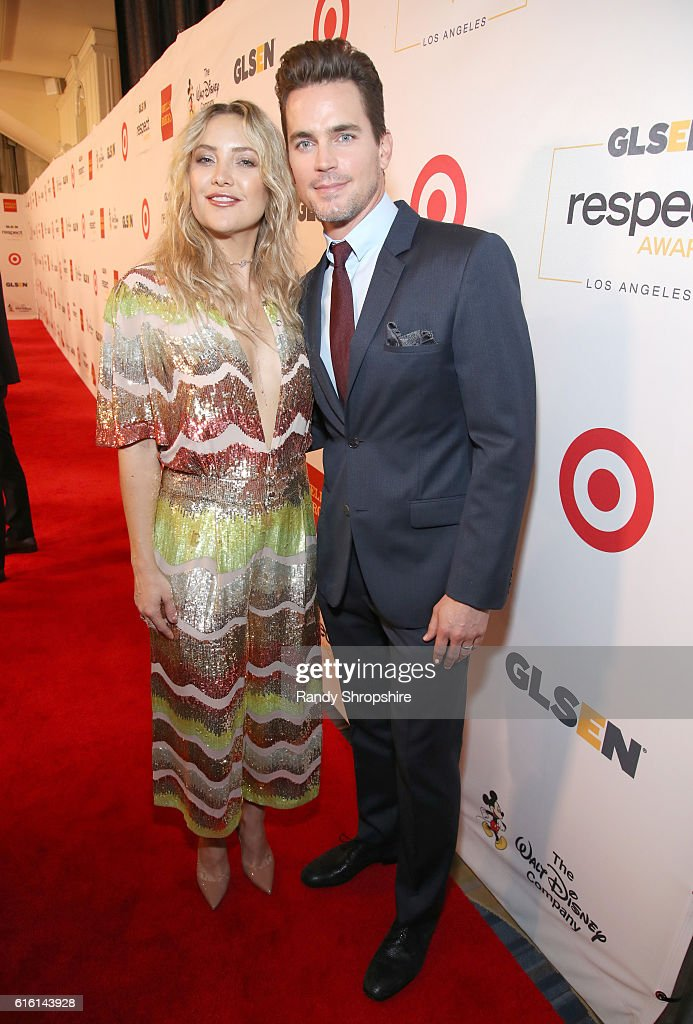 Honoree Kate Hudson (L) and honorary co-chair Matt Bomer attend the 2016 GLSEN Respect Awards - Los Angeles at the Beverly Wilshire Four Seasons Hotel on October 21, 2016 in Beverly Hills, California.