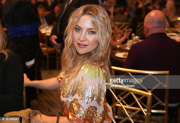 Honoree Kate Hudson attends the 2016 GLSEN Respect Awards Los Angeles at the Beverly Wilshire Four Seasons Hotel on October 21 2016 in Beverly Hills...
