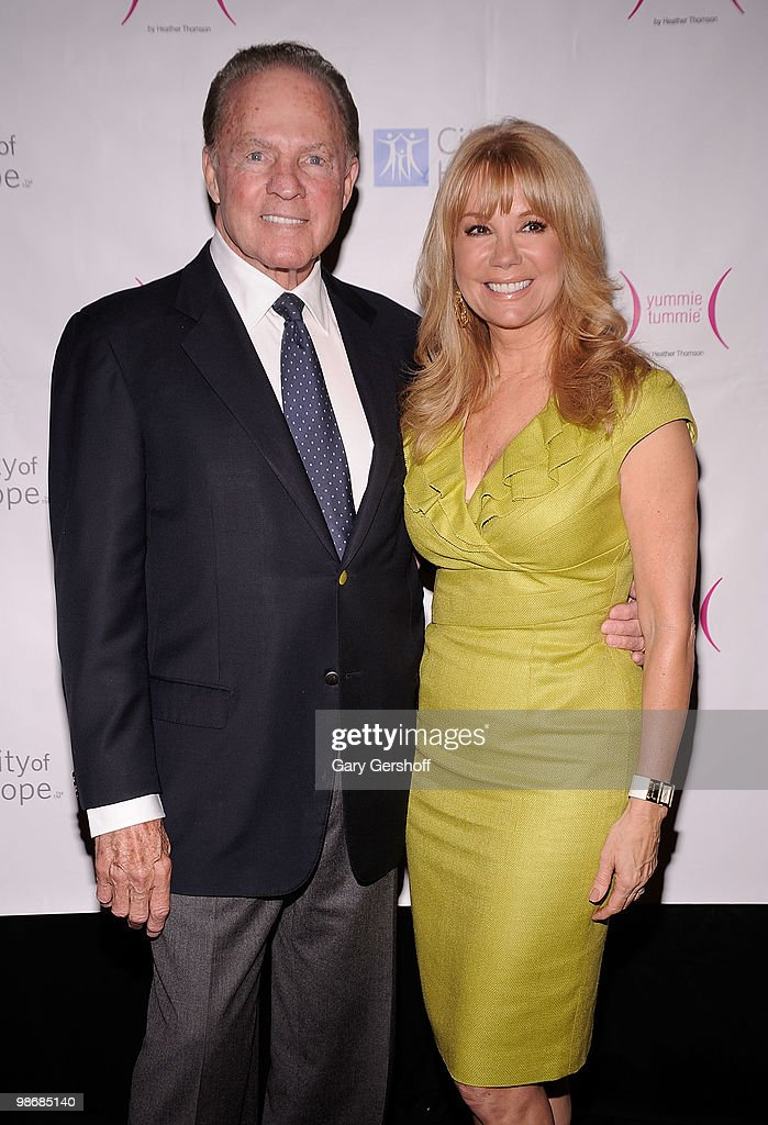Honoree <a gi-track='captionPersonalityLinkClicked' href=/galleries/search?phrase=Kathie+Lee+Gifford&family=editorial&specificpeople=203269 ng-click='$event.stopPropagation()'>Kathie Lee Gifford</a> (L) and husband <a gi-track='captionPersonalityLinkClicked' href=/galleries/search?phrase=Frank+Gifford&family=editorial&specificpeople=214258 ng-click='$event.stopPropagation()'>Frank Gifford</a> attend the City of Hope-East End Chapter 2010 Spirit of Life Award luncheon at Waldorf Astoria - Grand Ballroom on April 26, 2010 in New York City.