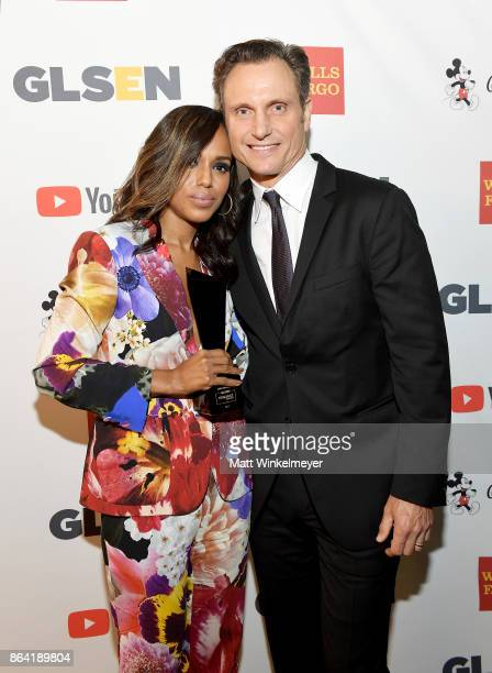 Honoree Kerry Washington and Tony Goldwyn pose with the Inspiration Award at the 2017 GLSEN Respect Awards at the Beverly Wilshire Hotel on October...