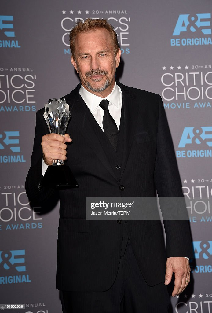 Honoree <a gi-track='captionPersonalityLinkClicked' href=/galleries/search?phrase=Kevin+Costner&family=editorial&specificpeople=201719 ng-click='$event.stopPropagation()'>Kevin Costner</a> poses with the Lifetime Achievement Award in the press room during the 20th annual Critics' Choice Movie Awards at the Hollywood Palladium on January 15, 2015 in Los Angeles, California.