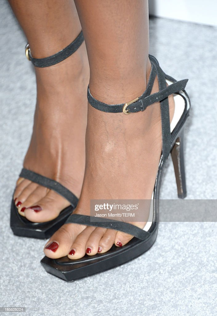 Honoree Naomie Harris (Fashion Detail) attends ELLE's 20th Annual Women In Hollywood Celebration at Four Seasons Hotel Los Angeles at Beverly Hills on October 21, 2013 in Beverly Hills, California.