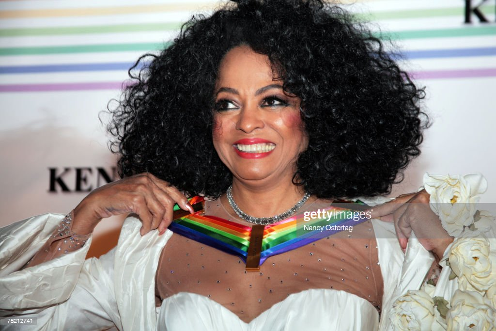 Honoree singer Diana Ross arrives at the 30th Annual Kennedy Center Honors December 2, 2007 in Washington, DC.