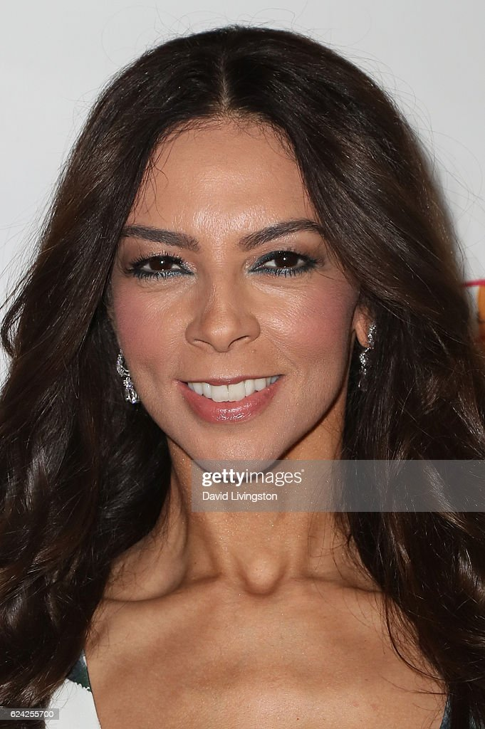 Honoree Terri Seymour arrives at the 14th Annual Lupus LA Hollywood Bag Ladies Luncheon at The Beverly Hilton Hotel on November 18, 2016 in Beverly Hills, California.
