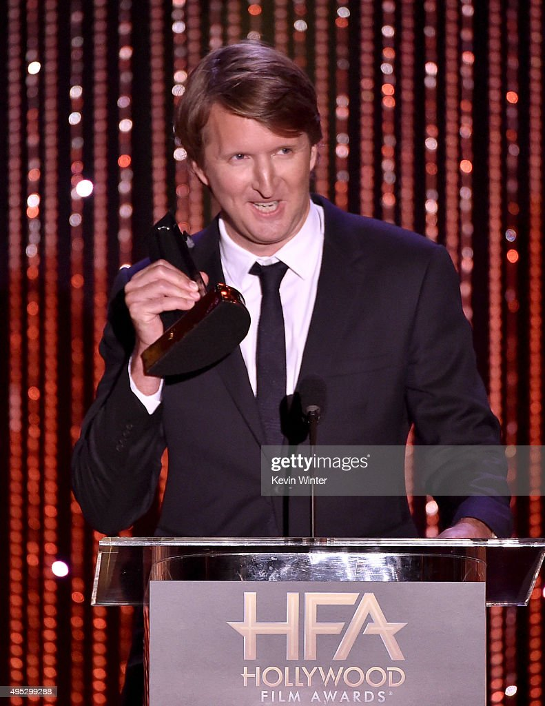 """Honoree <a gi-track='captionPersonalityLinkClicked' href=/galleries/search?phrase=Tom+Hooper&family=editorial&specificpeople=681836 ng-click='$event.stopPropagation()'>Tom Hooper</a> accepts the Hollywood Director Award for """"The Danish Girl"""" onstage during the 19th Annual Hollywood Film Awards at The Beverly Hilton Hotel on November 1, 2015 in Beverly Hills, California."""