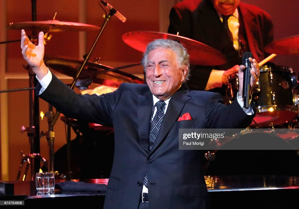 Honoree Tony Bennett performs at the Gershwin Prize Honoree's Tribute Concert at DAR Constitution Hall on November 15, 2017 in Washington, DC.