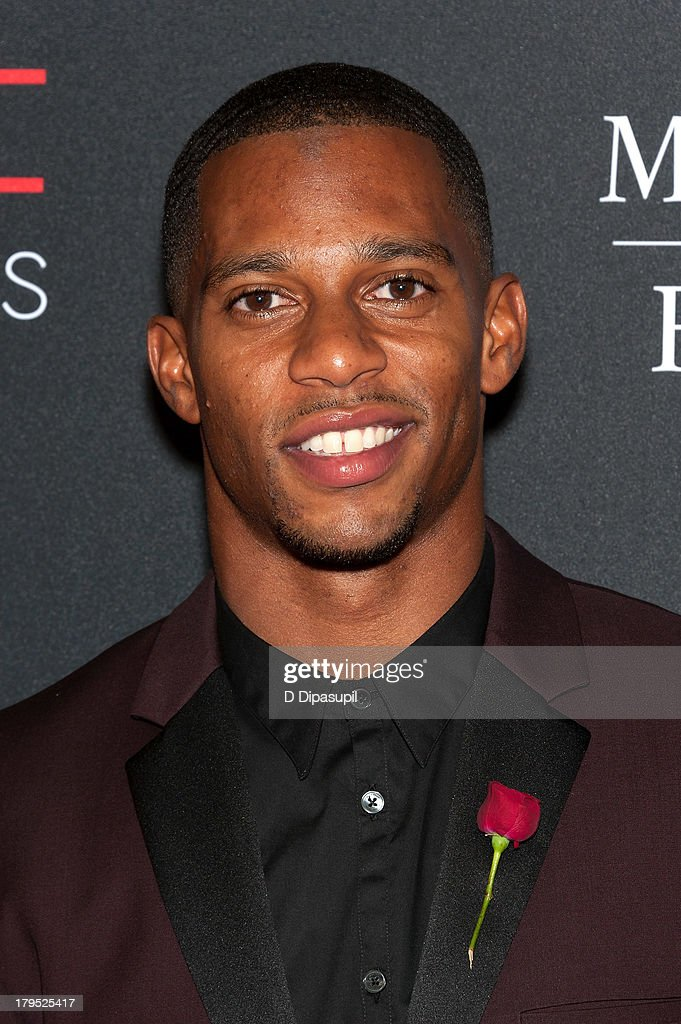 Honoree <a gi-track='captionPersonalityLinkClicked' href=/galleries/search?phrase=Victor+Cruz+-+American+Football+Player&family=editorial&specificpeople=8736842 ng-click='$event.stopPropagation()'>Victor Cruz</a> attends the 2013 Style Awards at Lincoln Center on September 4, 2013 in New York City.