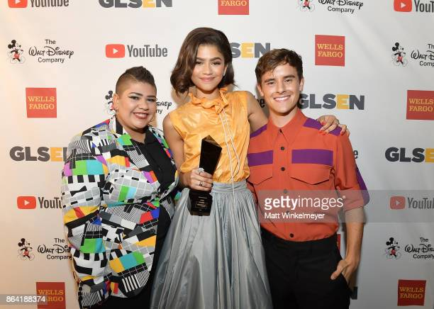 Honoree Zendaya GLSEN National Student Council member Marisa Matias and honorary cochair Connor Franta pose with the Gamechanger Award at the 2017...
