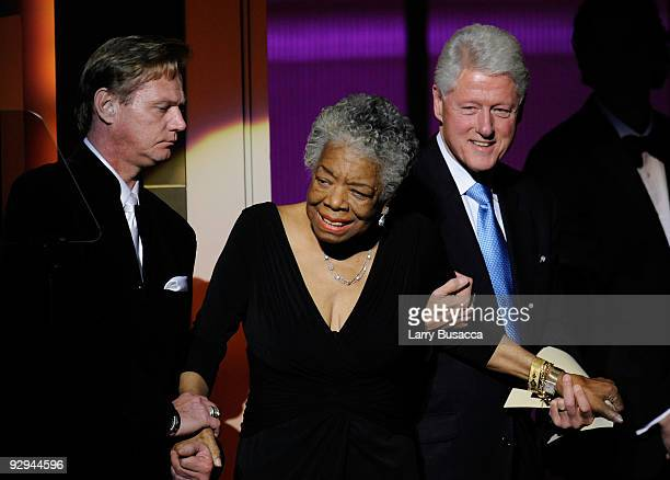 Honoree/Dr Maya Angelou and Former US President Bill Clinton onstage at the The 2009 Women of the Year hosted by Glamour Magazine at Carnegie Hall on...