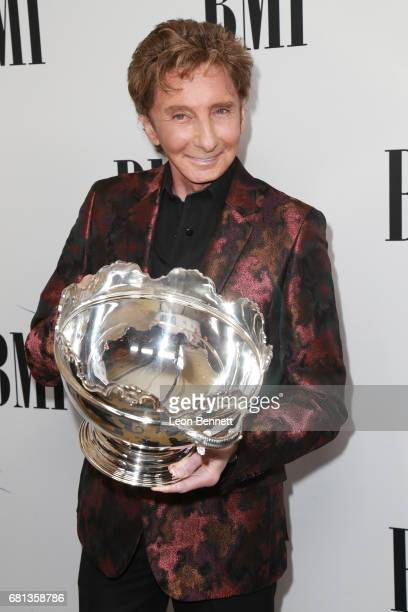Honoree/Music artist Barry Manilow arrives at the 65th Annual BMI Pop Awards at the Beverly Wilshire Four Seasons Hotel on May 9 2017 in Beverly...