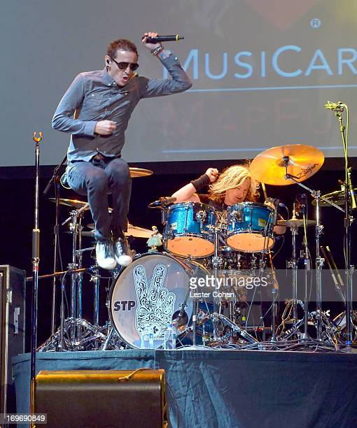 Honoree/Musician Chester Bennington performs at the 2013 MusiCares MAP Fund Benefit Concert honoring Chester Bennington and Tony Alva at Club Nokia...