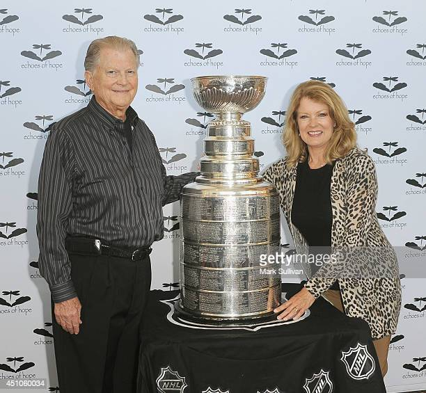 Honorees Burt Sugarman and Mary Hart pose with the Stanley Cup at Echoes Of Hope 4th Annual All In For Hope Celebrity Poker Tournament at JW Marriott...