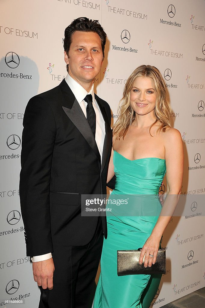Honorees Hayes MacArthur and Ali Larter arrive at The Art of Elysium's 7th Annual HEAVEN Gala presented by MercedesBenz at Skirball Cultural Center...