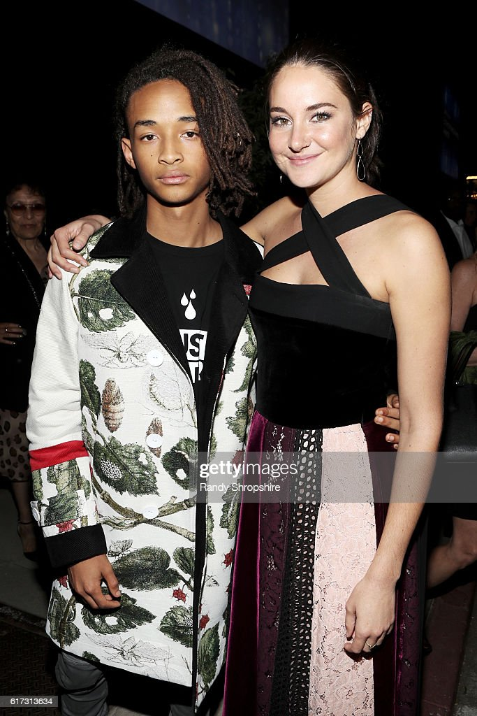Honorees Jaden Smith (L) and Shailene Woodley attend the Environmental Media Association 26th Annual EMA Awards Presented By Toyota, Lexus And Calvert at Warner Bros. Studios on October 22, 2016 in Burbank, California.