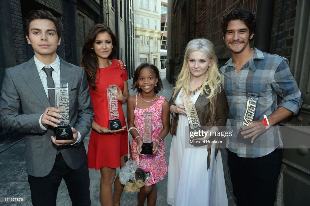 Honorees <a gi-track='captionPersonalityLinkClicked' href=/galleries/search?phrase=Jake+T.+Austin&family=editorial&specificpeople=709221 ng-click='$event.stopPropagation()'>Jake T. Austin</a>, <a gi-track='captionPersonalityLinkClicked' href=/galleries/search?phrase=Nina+Dobrev&family=editorial&specificpeople=4397485 ng-click='$event.stopPropagation()'>Nina Dobrev</a>, Quvenzhane Wallis, <a gi-track='captionPersonalityLinkClicked' href=/galleries/search?phrase=Abigail+Breslin&family=editorial&specificpeople=226628 ng-click='$event.stopPropagation()'>Abigail Breslin</a> and <a gi-track='captionPersonalityLinkClicked' href=/galleries/search?phrase=Tyler+Posey&family=editorial&specificpeople=3201481 ng-click='$event.stopPropagation()'>Tyler Posey</a> pose with awards during Variety's Power of Youth presented by Hasbro, Inc. and generationOn at Universal Studios Backlot on July 27, 2013 in Universal City, California.