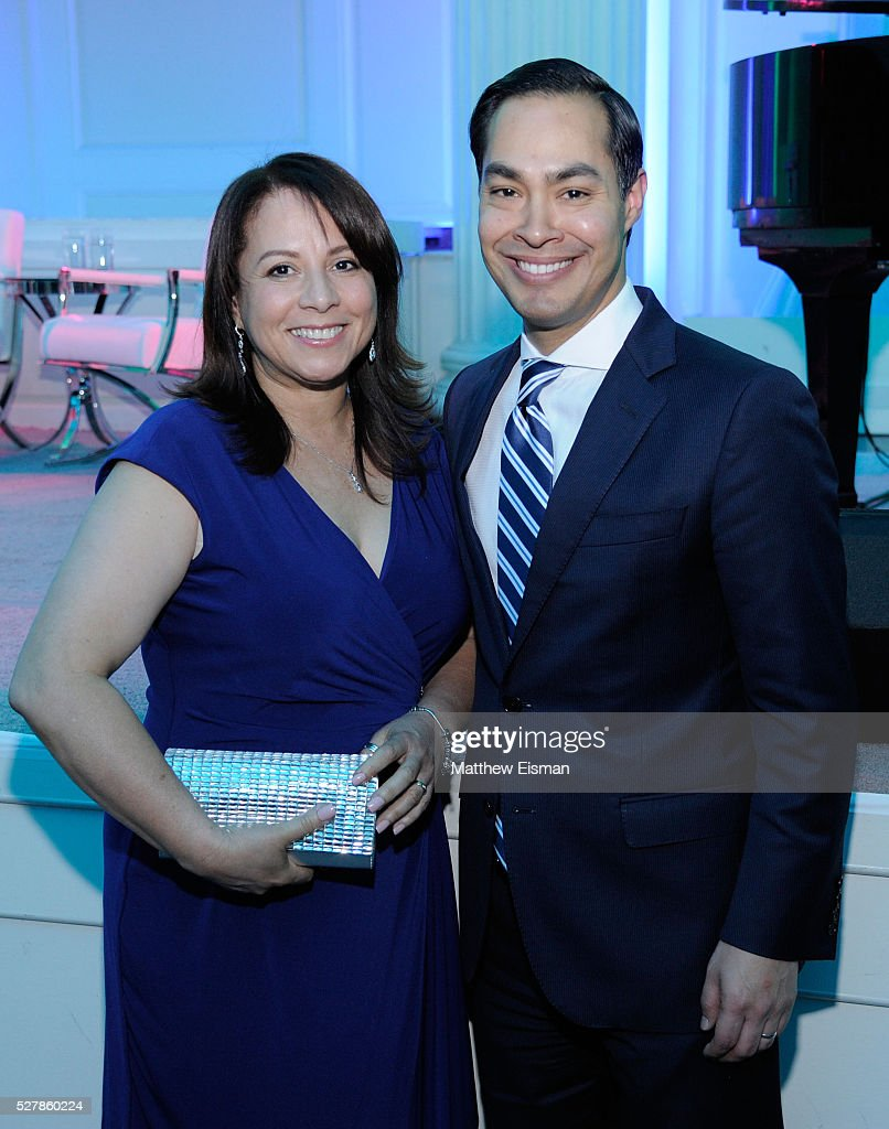 Honorees, Library Media Specialist at PS1x Marie Belle Vargas and Secretary, U.S. Department of Housing and Urban Development Julian Castro attend the 2016 Common Sense Media Awards on May 3, 2016 in New York City.