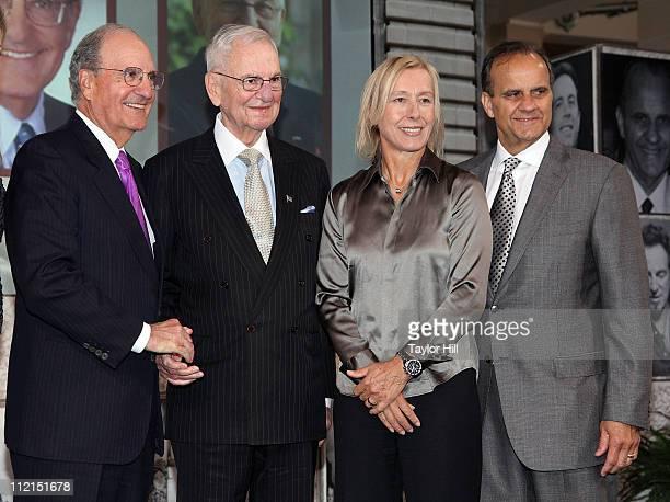 Honorees Senator George Mitchell Lee Iacocca Martina Navratilova and Joe Torre attend the 2011 Ellis Island Family Heritage awards at the Ellis...