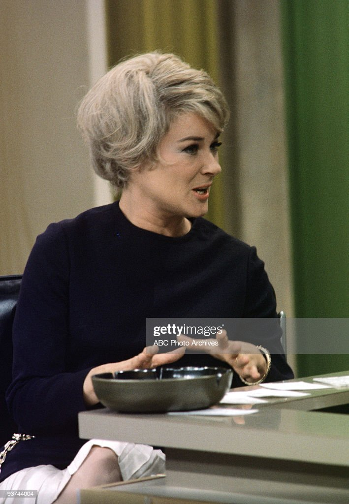 SHOW - (1969) <a gi-track='captionPersonalityLinkClicked' href=/galleries/search?phrase=Hope+Lange&family=editorial&specificpeople=234611 ng-click='$event.stopPropagation()'>Hope Lange</a>