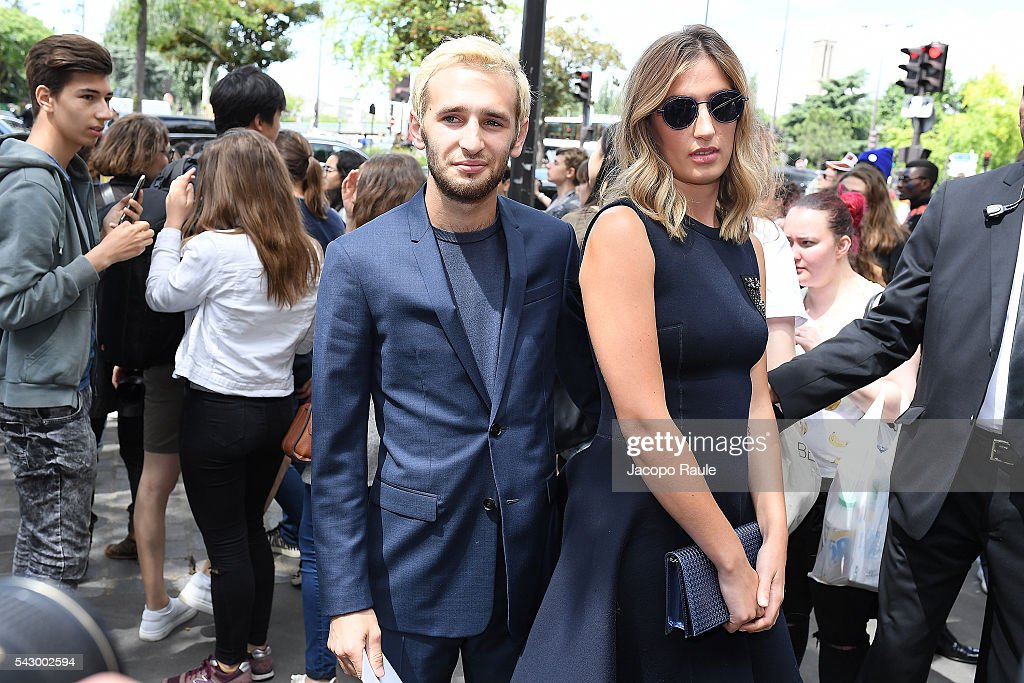 Hopper Jack Penn and Uma von Wittkamp are seen arriving at Dior Show during Paris Fashion Week - Menswear Spring/Summer 2017 on June 25, 2016 in Paris, France.