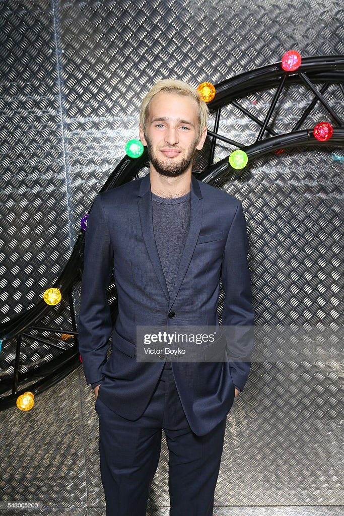 Hopper Jack Penn attends the Dior Homme Menswear Spring/Summer 2017 show as part of Paris Fashion Week on June 25, 2016 in Paris, France.