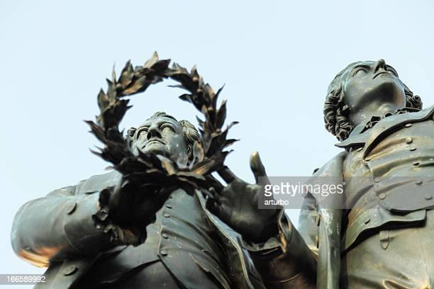 Horizontale statue Porträt von Goethe über Schiller Lorbeerkranz