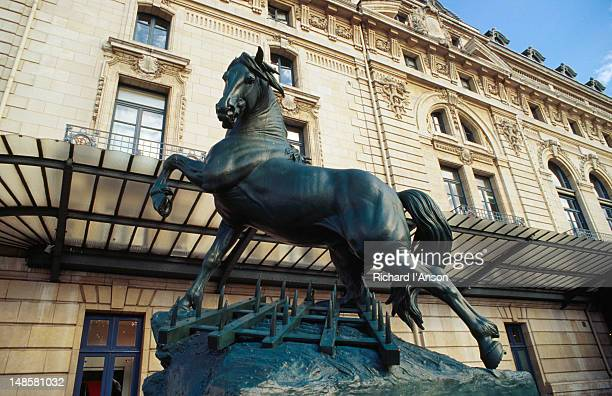 Horse statue in forecourt of d'Orsay Museum.