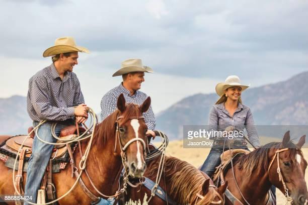 Un groupe d'équitation à cheval dans le pays de l'Utah