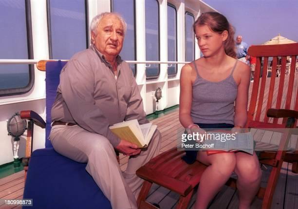 Horst Bollmann Nadine Fano ZDF 'Traumschiff' Folge 43 'Thailand' Sonnendeck Buch Thailand/Asien 020402 Kreuzfahrt Schiff MS'Deutschland'...