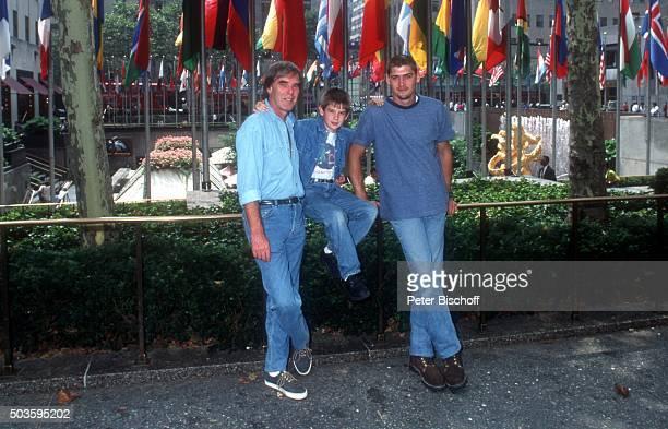'Horst Jüssen Sohn DonDavid Jüssen Stiefsohn Marco Wiedmann FamilienUrlaub am am RockefellerCenter in Manhattan New York USA '