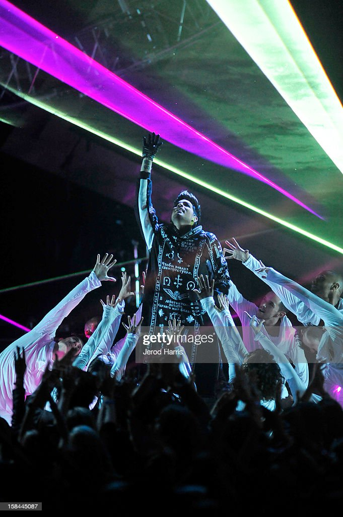 Host <a gi-track='captionPersonalityLinkClicked' href=/galleries/search?phrase=Adam+Lambert&family=editorial&specificpeople=5706674 ng-click='$event.stopPropagation()'>Adam Lambert</a> performs onstage at 'VH1 Divas' 2012 held at The Shrine Auditorium on December 16, 2012 in Los Angeles, California.