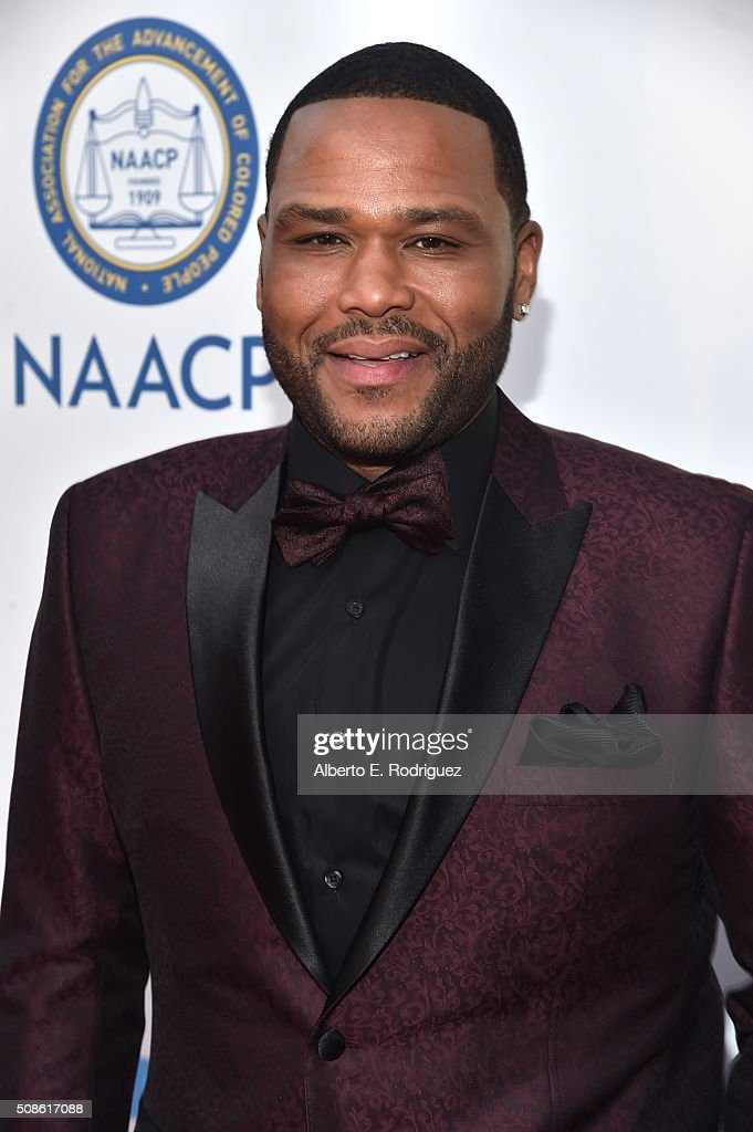 Host <a gi-track='captionPersonalityLinkClicked' href=/galleries/search?phrase=Anthony+Anderson&family=editorial&specificpeople=202577 ng-click='$event.stopPropagation()'>Anthony Anderson</a> attends the 47th NAACP Image Awards presented by TV One at Pasadena Civic Auditorium on February 5, 2016 in Pasadena, California.