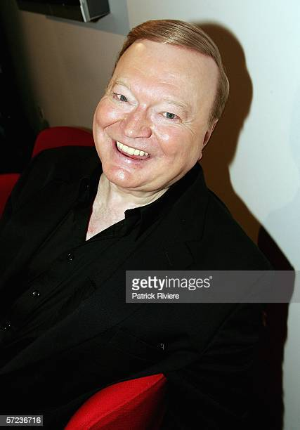 TV host Bert Newton attends the nominations ceremony for the 2006 TV Week Logie Awards at the Powerhouse Museum on April 3 2006 in Sydney Australia