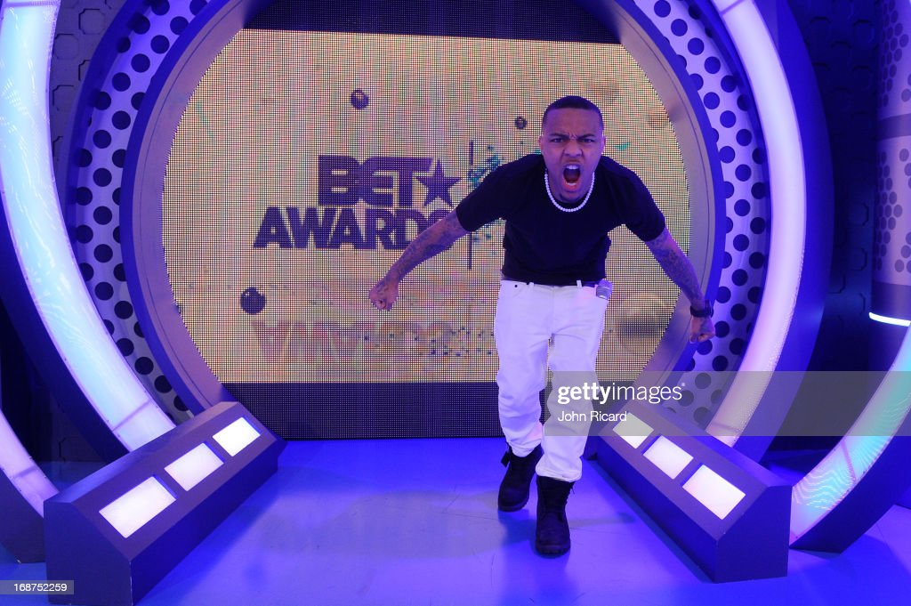 Host <a gi-track='captionPersonalityLinkClicked' href=/galleries/search?phrase=Bow+Wow&family=editorial&specificpeople=211211 ng-click='$event.stopPropagation()'>Bow Wow</a> at 106 & Park Studio on May 14, 2013 in New York City.