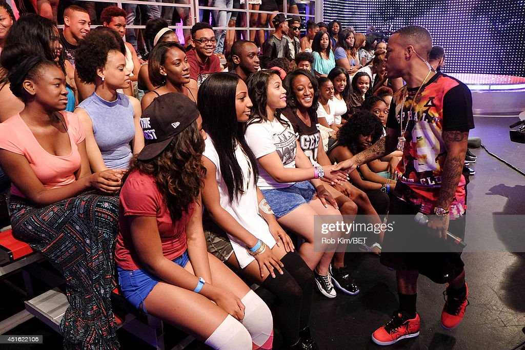Host <a gi-track='captionPersonalityLinkClicked' href=/galleries/search?phrase=Bow+Wow+-+Rapper&family=editorial&specificpeople=211211 ng-click='$event.stopPropagation()'>Bow Wow</a> greets the audience at BET's 106 & Park at BET studios on July 1, 2014 in New York City.
