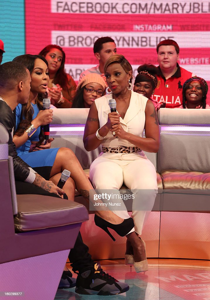 Host <a gi-track='captionPersonalityLinkClicked' href=/galleries/search?phrase=Bow+Wow+-+Rapper&family=editorial&specificpeople=211211 ng-click='$event.stopPropagation()'>Bow Wow</a>, host Kimberly 'Paigion' Walker and <a gi-track='captionPersonalityLinkClicked' href=/galleries/search?phrase=Mary+J.+Blige&family=editorial&specificpeople=171124 ng-click='$event.stopPropagation()'>Mary J. Blige</a> visit at 106 & Park Studio on January 28, 2013 in New York City.
