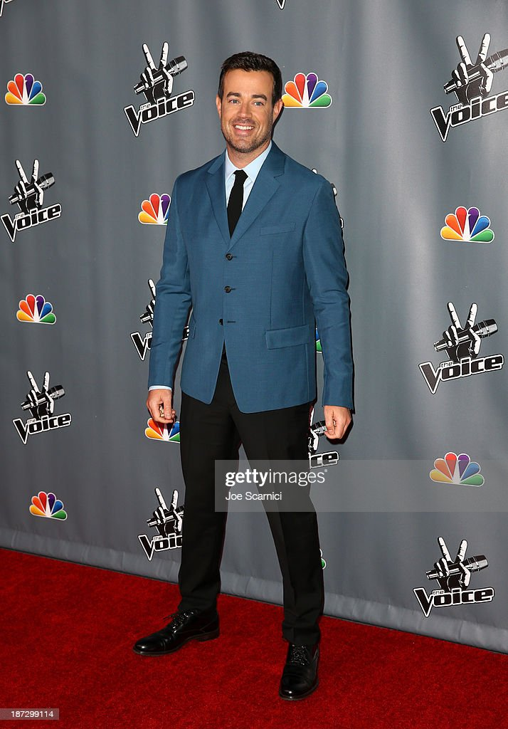 Host <a gi-track='captionPersonalityLinkClicked' href=/galleries/search?phrase=Carson+Daly&family=editorial&specificpeople=202941 ng-click='$event.stopPropagation()'>Carson Daly</a> arrives to the 'The Voice' Season 5 Top 12 Event at Universal Studios Hollywood on November 7, 2013 in Universal City, California.