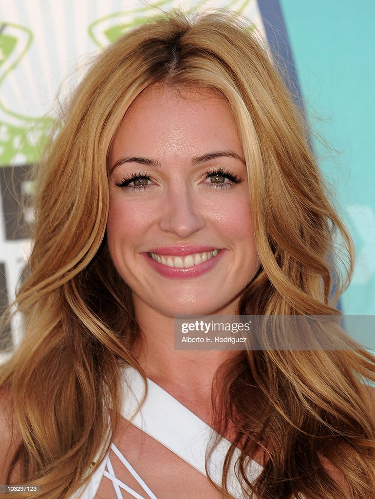 TV host Cat Deeleyarrives at the 2010 Teen Choice Awards at Gibson Amphitheatre on August 8, 2010 in Universal City, California.