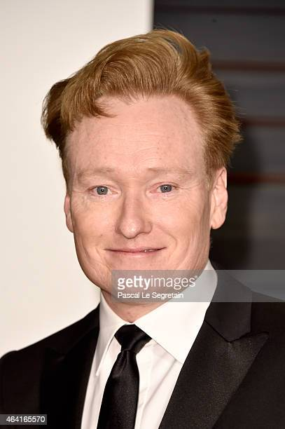 TV host Conan O'Brien attends the 2015 Vanity Fair Oscar Party hosted by Graydon Carter at Wallis Annenberg Center for the Performing Arts on...