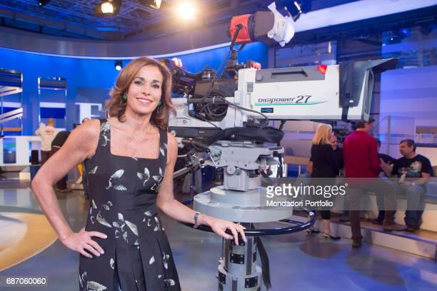 La vita in diretta stock photos and pictures getty images for Camera diretta tv