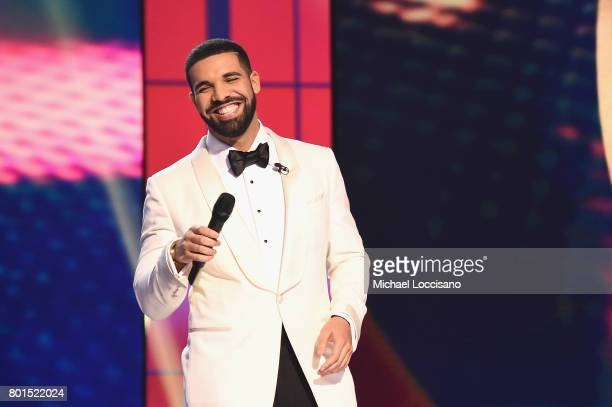Host Drake speaks on stage during the 2017 NBA Awards Live On TNT on June 26 2017 in New York City 27111_001