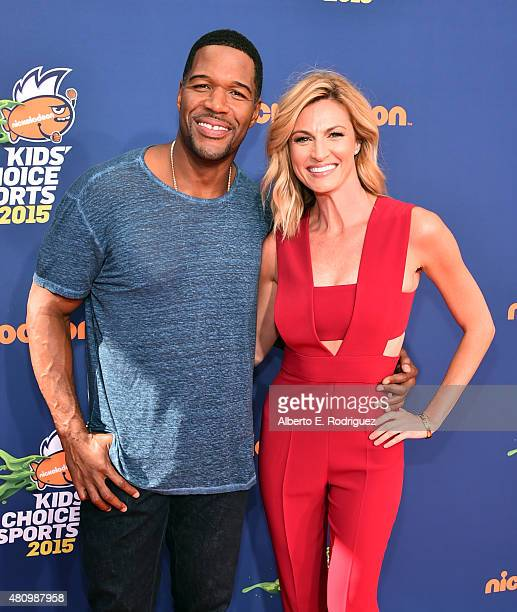 TV host former NFL player Michael Strahan and Sportscaster Erin Andrews attend the Nickelodeon Kids' Choice Sports Awards 2015 at UCLA's Pauley...
