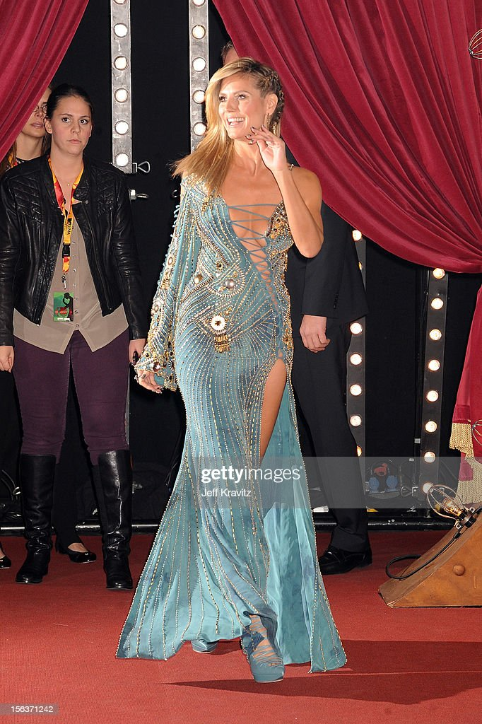 Host Heidi Klum attends the MTV EMA's 2012 at Festhalle Frankfurt on November 11, 2012 in Frankfurt am Main, Germany.